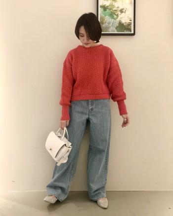 ボリューム感の可愛いニット。 ショートの丈感がスカートでもパンツ合わせでも可愛いですよ! やわらかくて着心地も抜群です!