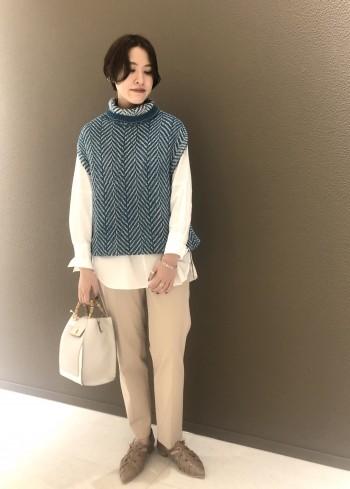 メッシュのデザインがかわいいバブーシュ。 着脱も楽ちんでとても歩きやすいですよ。