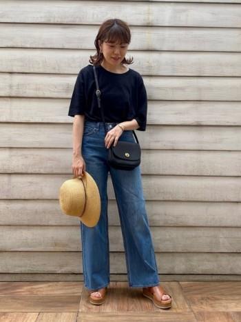 クッションがふわふわで見た目より履きやすいです。 ロングスカートやワンピースに合わせても可愛いですね。