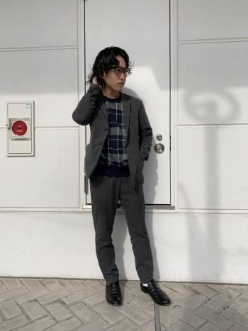 ストレッチの効いたゴムウエストで キレイ見えしながら楽に履けるパンツ。