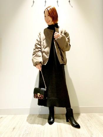 チクチクしない暖かいニット素材なので1枚でサラッと着ても良し◎パンツやスカートとのレイヤードスタイルやベルトでウエストマークスタイルまでたのしめます。