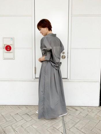 程よいボリューム感のあるシルエットでオシャレです。 ウエストゴムタイプで履きやすいスカートです。
