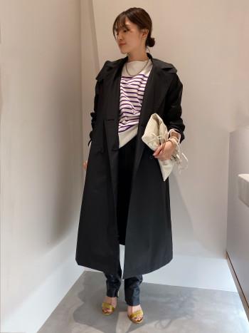 丈が長めなので、身長157㎝ですとヒール必須になります。少し裾を溜めて履くとレザーのハードな印象を抑えられるので、おすすめです◎シープレザーかつ、裏に伸縮性のあるジャージ素材をボンディングさせているのでとても履きやすいです。