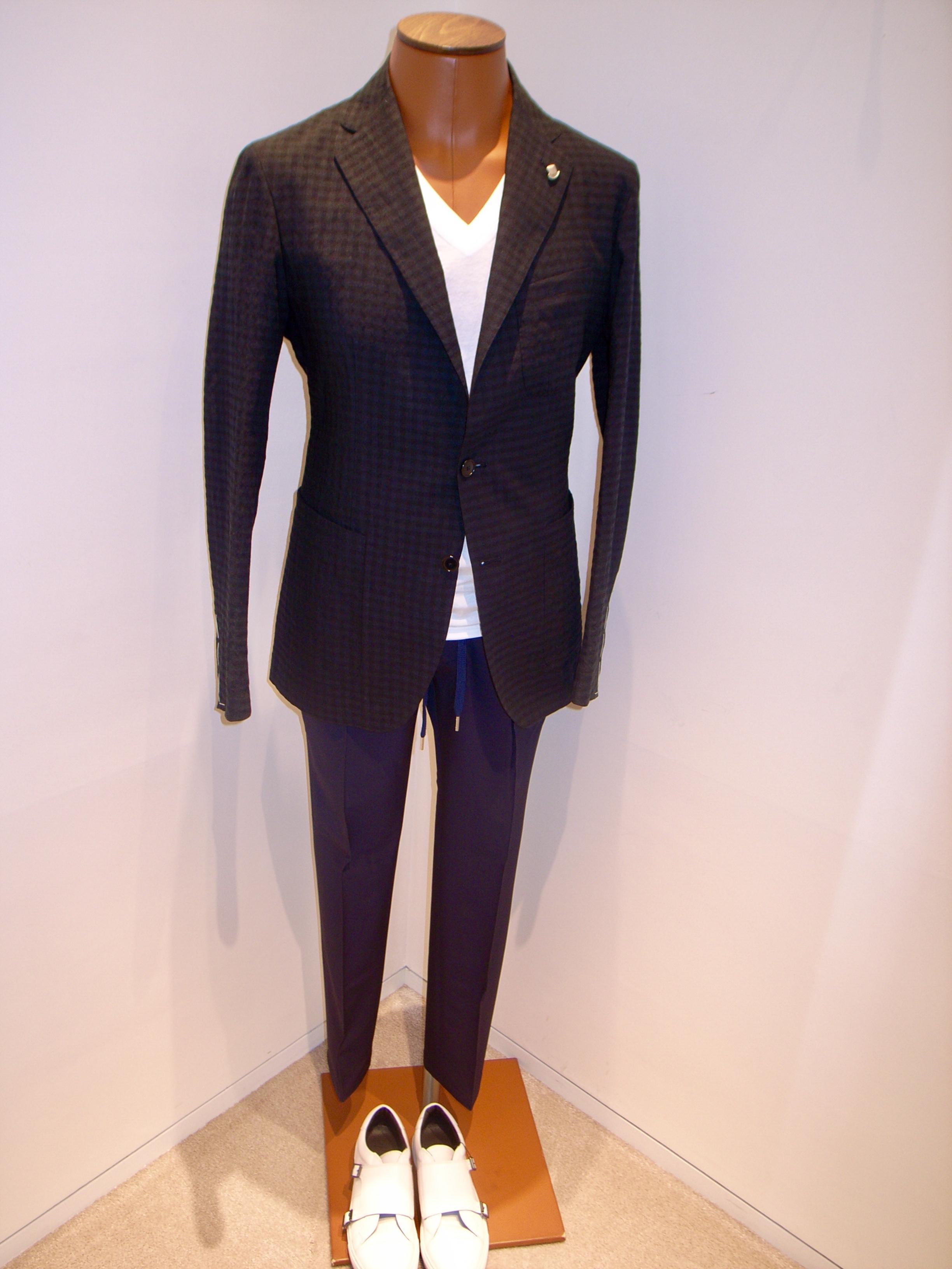 TAGLIATORE      Black check jacket