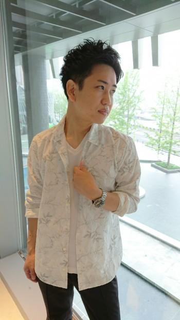 刺繍シャツスタイル