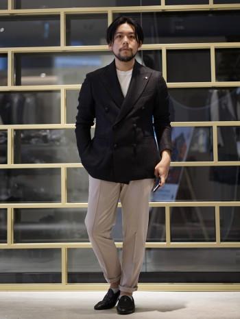 伸縮性が高く、柔らかい素材なので履いていてストレスをい感じにくいです テレワークファッションとしてもきっと重宝します