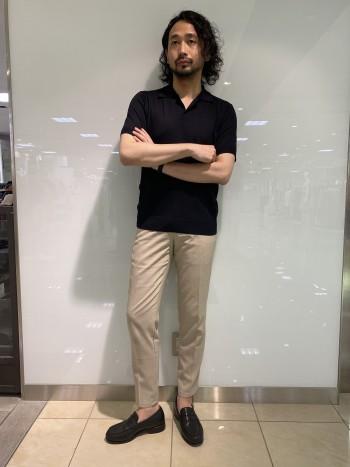 シルク特有の光沢感と上品のあるポロシャツ。ウォッシャブルシルクのためデイリーユーズしやすい仕上がりです。