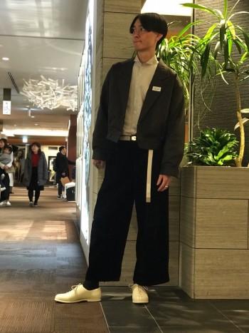 細身のディテールなのでやや小さめに履いてもかわいいシルエットに。 軽いのも魅力です。