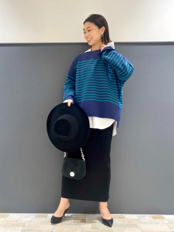普段、Sサイズで0を着用してます。ヒップはフィットするデザインですが、ボディラインがきれいに細くみえます!わたしの身長で足首くらいの丈です。