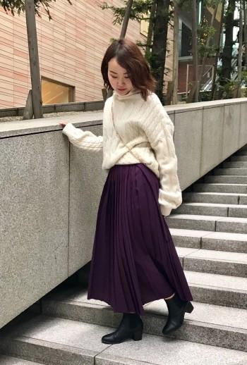 ざっくりしたシルエットとケーブル編みがかわいいです!