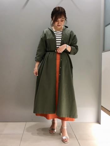 羽織としても着れるアイテム!ロング丈ではありますが、サイドのスリットがあるので小柄な方でも◎!
