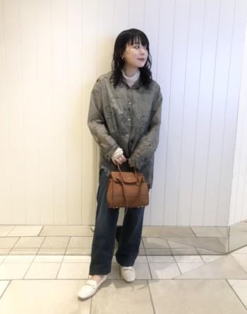 普段のサイズで、スクエアトゥでつま先も楽で横幅もゆったりとしているので、幅が気になる方も快適に履けます!