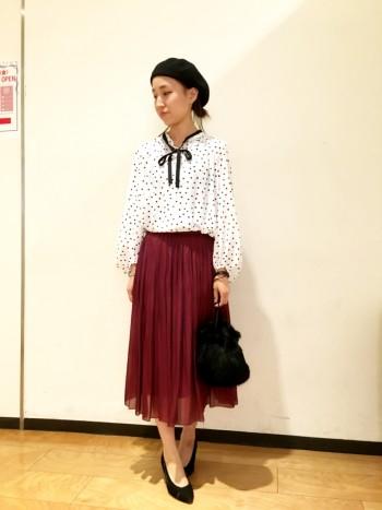 人気のスカートに34サイズ登場。 丈感も短すぎず安心して着られる。