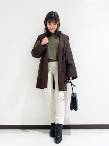 156cm、22サイズ着用で丈は丁度フルレングスです。 ジャストサイズなので、少しゆとりを持たせて23サイズでも大きすぎずに履けました。 ストレッチがとってもよく入っているので履き心地抜群です。