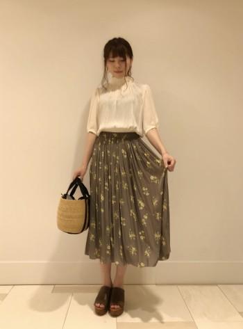 新作☆フラワープリントスカート