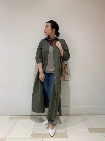 羊革でとても柔らかく包まれてる感覚がとても心地よくフィットしてくれます。とても歩きやすいです。