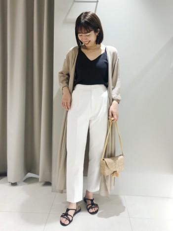 丈感が低身長の人でも着やすいです。丈上げやヒール合わせをしなくてもスッキリ綺麗に履けるサイズ感です。