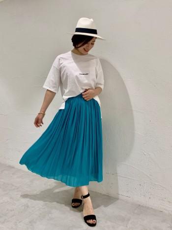 ギャザーが綺麗なスカートです。 細かいギャザーになっているのでボリュームが出過ぎず、程よくすっきりしています。 ウォッシャブルなので夏もしっかり使いまわせます◎